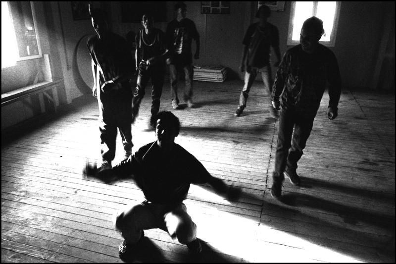 """NUEVO CAPÍTULO Fotoensayo """"Una experiencia balcánica"""" (Furio Ottomani): ETL: escenas de vida, alegría y muerte"""